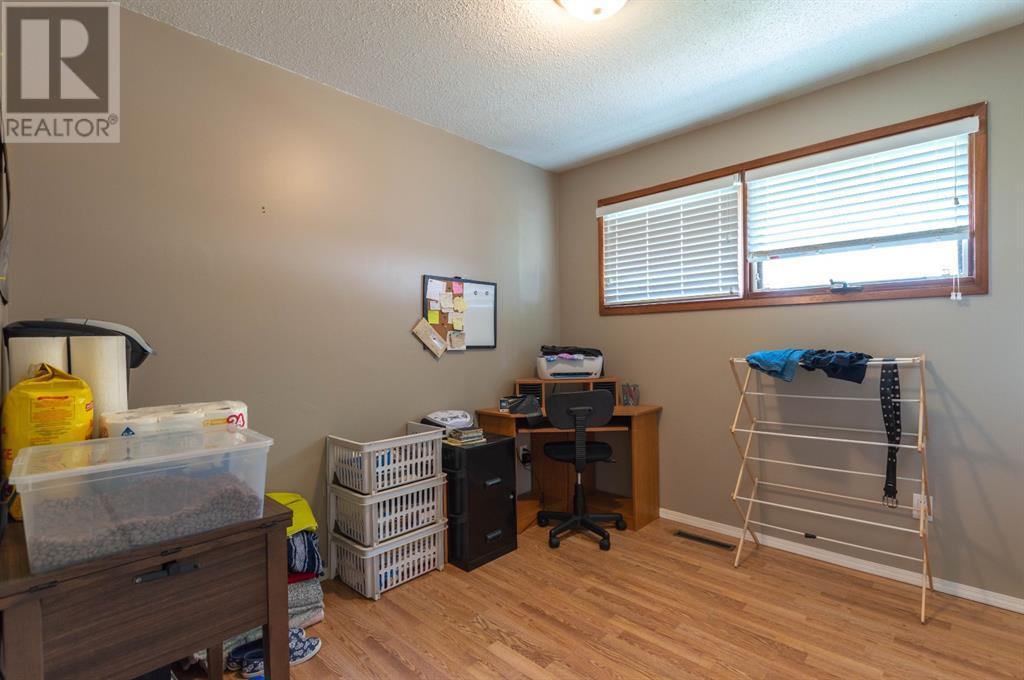 4202 52 Avenue, Stettler, Alberta  T0C 2L0 - Photo 17 - A1132298