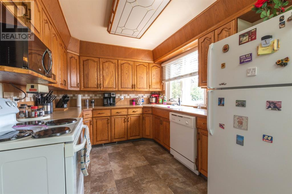 4202 52 Avenue, Stettler, Alberta  T0C 2L0 - Photo 6 - A1132298