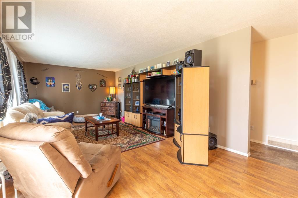 4202 52 Avenue, Stettler, Alberta  T0C 2L0 - Photo 7 - A1132298